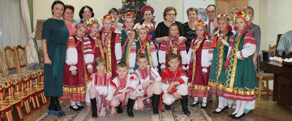 """""""Новогоднее чудо"""" – ежегодно в канун праздников медицинские сестры Брянщины дарят детям праздник"""